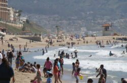 Summer beach day in August 2015 near Redondo Pier (Photo by South Bay Events).
