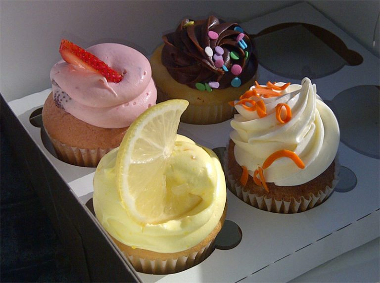 cupcakes from Torrance Bakery
