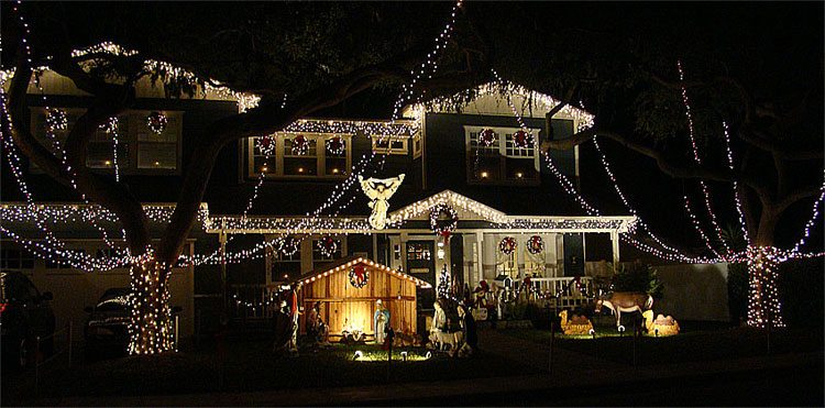 tucked in a south torrance neighborhood is one of the most spectacular display of christmas lights in the south bay its a neighborhood tradition where - Christmas Lights In Torrance